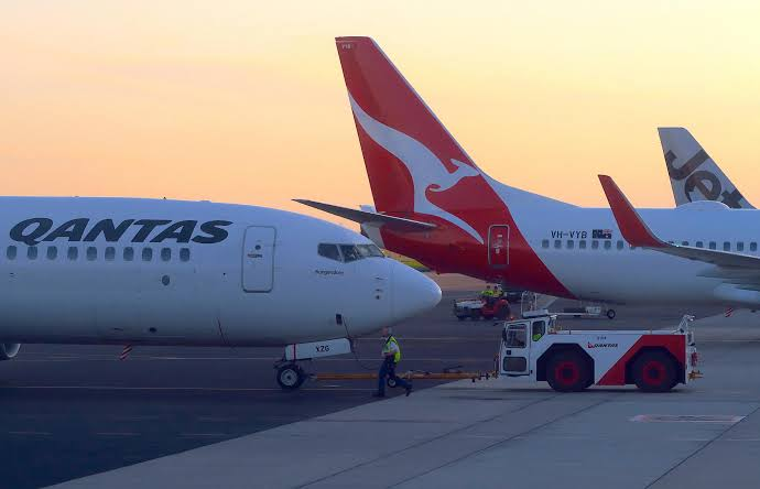 ", ""Qantas"" world's longest commercial flight from New York to Sydney tested"