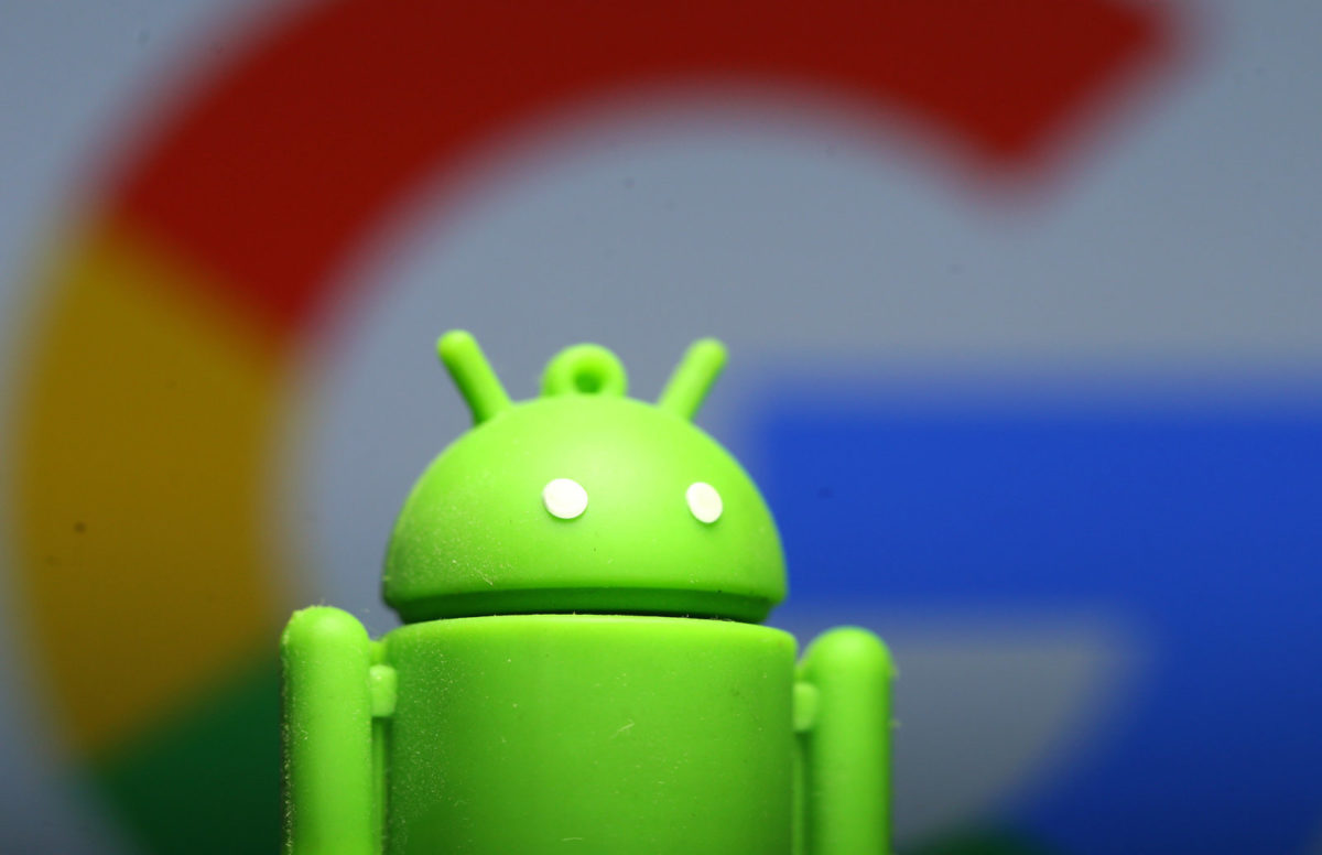 Android apps, Those crappy pre-installed Android apps with full security holes