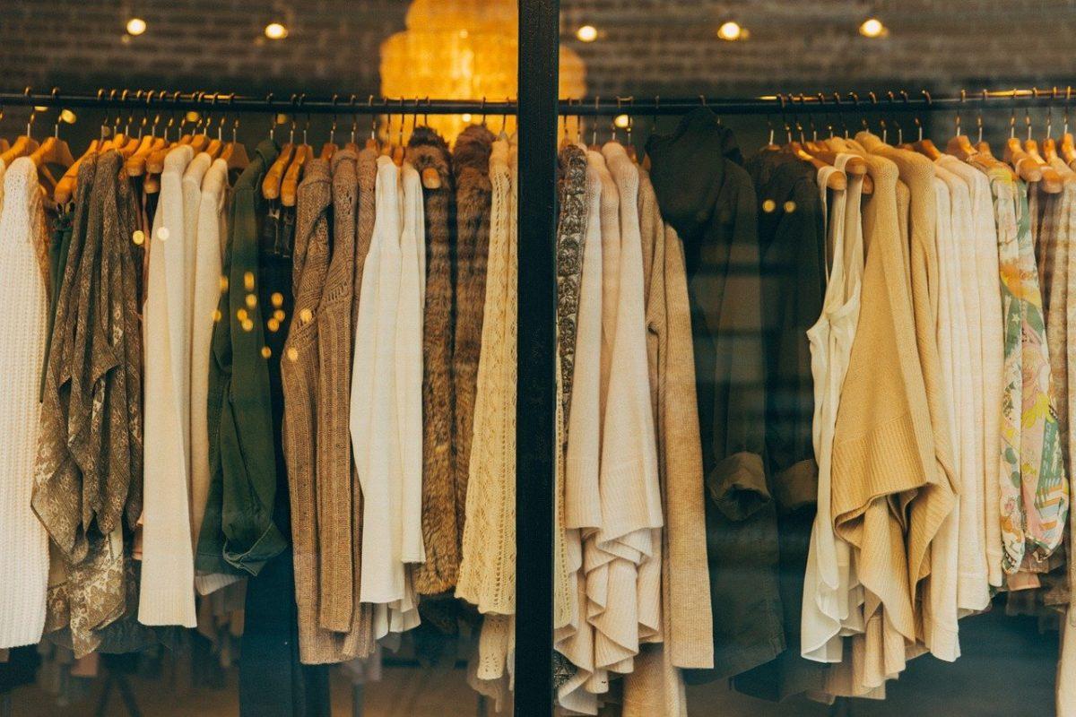 clothing 1623528305